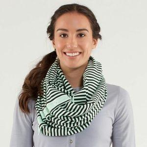 Lululemon vinyasa scarf wrap striped mint & black